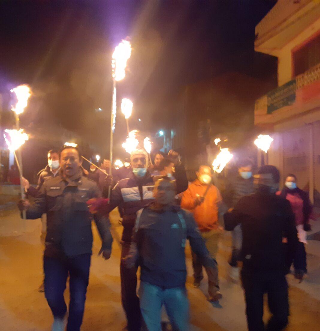 सरकारको विरोधमा तरुण दलद्धारा कुश्मा बजारमा राँके जुलुस प्रदर्शन