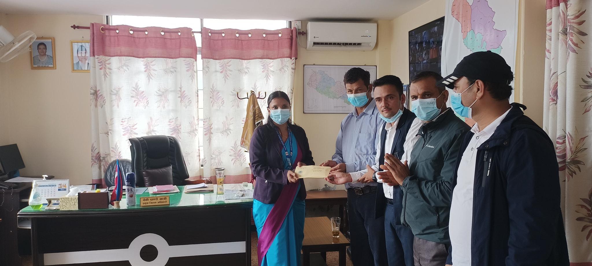 निजामति कर्मचारी संगठन पर्वतले बुझायो प्रधानमन्त्रीलाई ज्ञापन पत्र